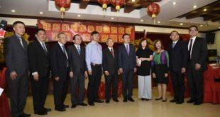Comunidad china ofrece cena al embajador de su país