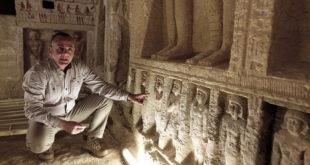 Hallan en Egipto una tumba intacta de hace 4.400 años con 45 estatuas y pozos secretos