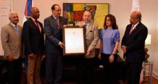 Ministerio Cultura entrega Premio Anual de Historia 2018 al historiador Rafael Darío Herrera