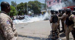 Gobierno haitiano anuncia bajará los alimentos y subirá salario mínimo para bajar tensión