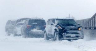 Tormentas y nieve obligan al cierre de carreteras en Colorado (EE.UU.)