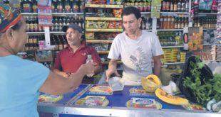 El san, el fiao, el empeño, las rifas: formas de sobrevivencia que aún forman parte de la cultura del dominicano