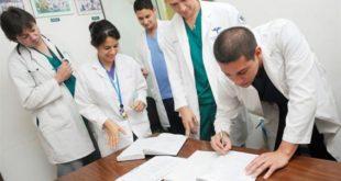 Unificarán planes de estudios para médicos